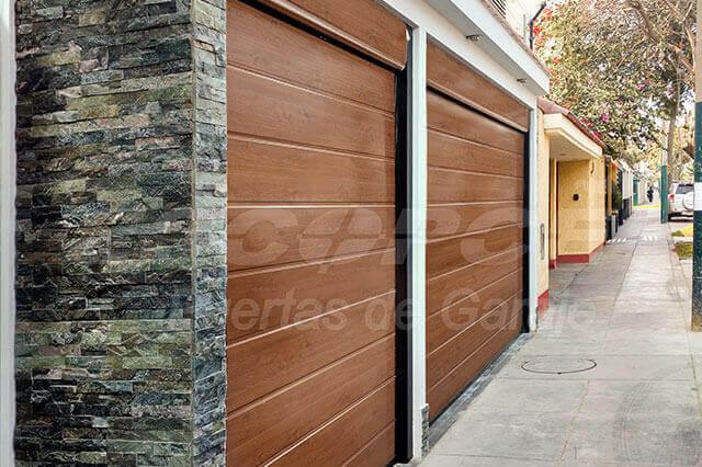 Venta de puertas de garaje great puertas de garaje silver segunda mano lima with venta de - Puertas de garaje seccionales baratas ...